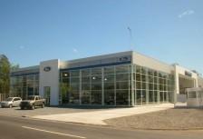 Oeste Autos. Concesionario Ford - fachada